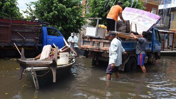 Пострадавшие от наводнения в Парагвае