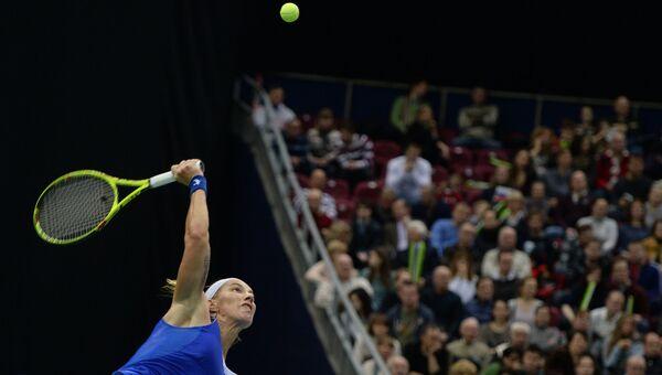 Светлана Кузнецова против Кики Бертенс в матче 1/4 финала Кубка Федерации