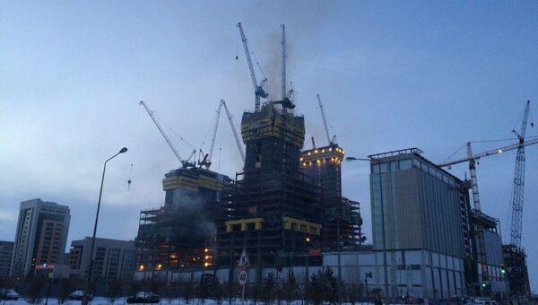 Пожар в строящемся здании Абу-Даби Плаза в Астане, архивное фото