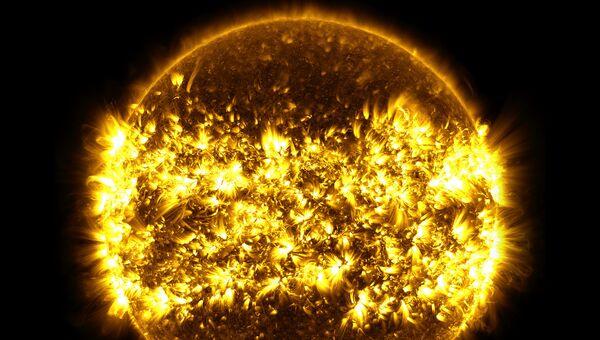 Изображение Солнца соединенное из 23 отдельных фотографий