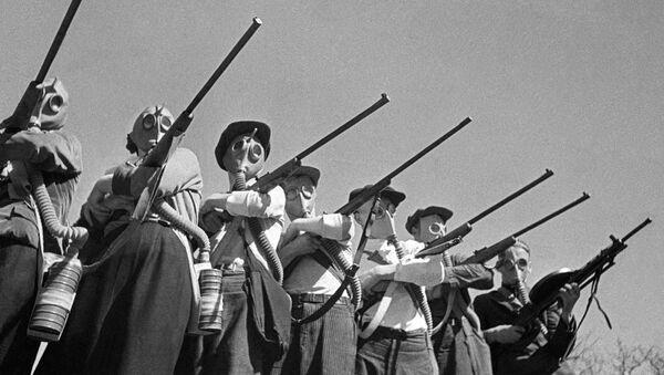 Занятия по гражданской обороне. Архивное фото