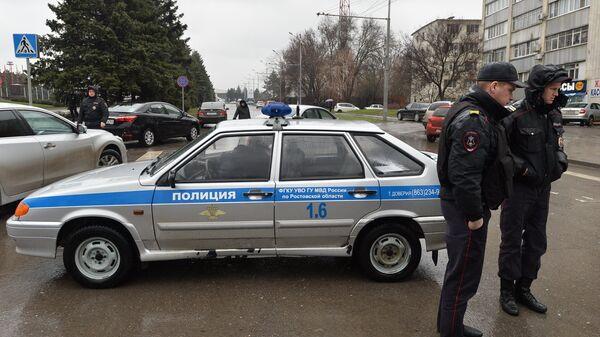 Сотрудники правоохранительных органов в Ростове-на-Дону