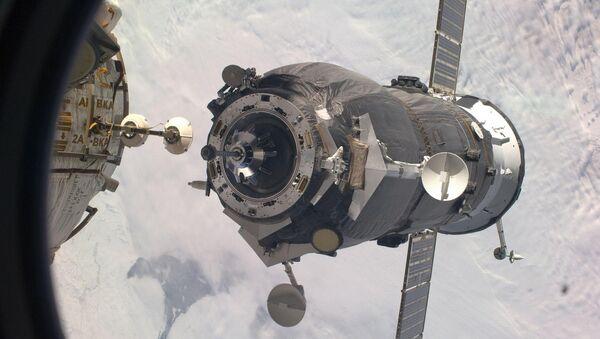 Стыковка космического грузовика Прогресс-МС с МКС.Архивное фото