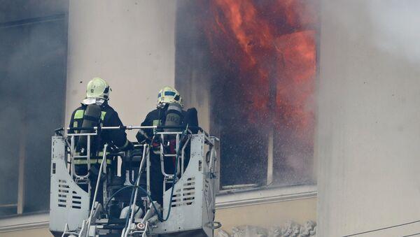 Пожар в здании Министерства обороны в Москве. Архивное фото