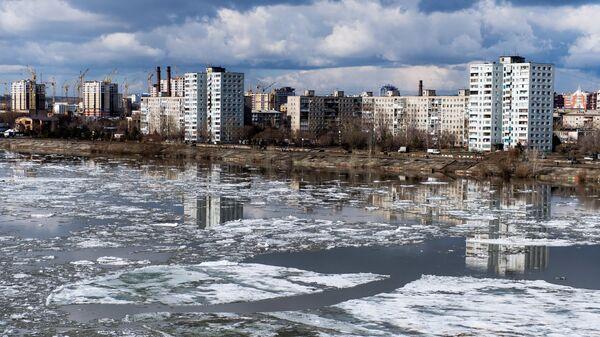 Ледоход на Иртыше в Омске