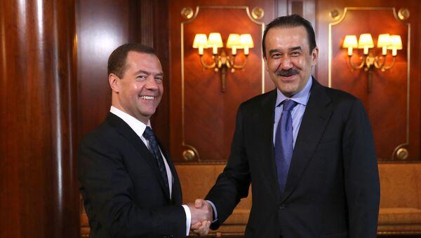 Председатель правительства РФ Дмитрий Медведев и премьер-министр Казахстана Карим Масимов. Архивное фото