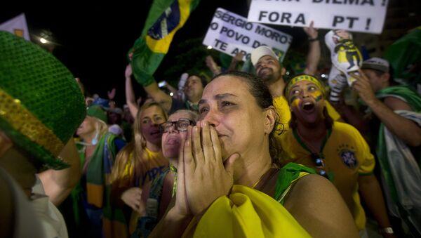 Антиправительственные демонстранты в Рио-де-Жанейро, Бразилия. Архивное фото