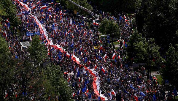 Марш Комитета Защиты Демократии с оппозицией в Варшаве