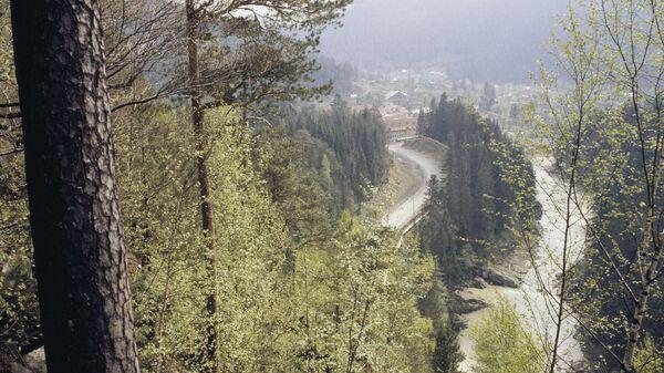 Долина реки Прут в Ивано-Франковской области на Украине