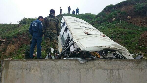 Автобус, разбившийся на трассе Цхинвал-Канчавети. 19 мая 2016