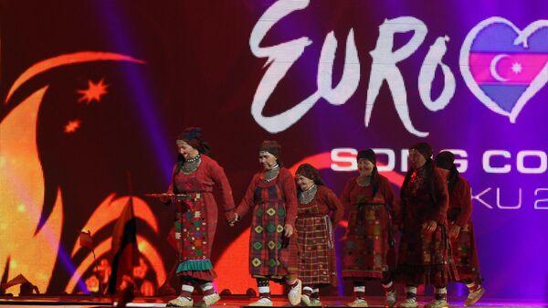 Участницы конкурса от России фольклорный коллектив Бурановские бабушки выступают в финале международного музыкального конкурса Евровидение-2012