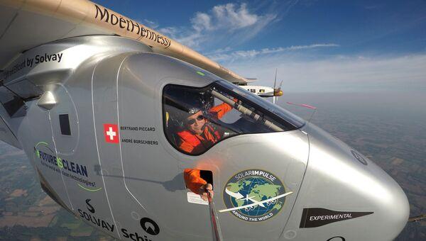 Solar Impulse 2 приземлился у Нью-Йорка в рамках кругосветного путешествия