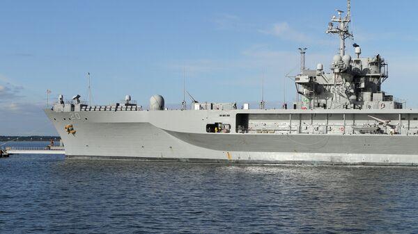 Флагманский корабль шестого флота США Mount Whitney в порту Таллина. Архивное фото