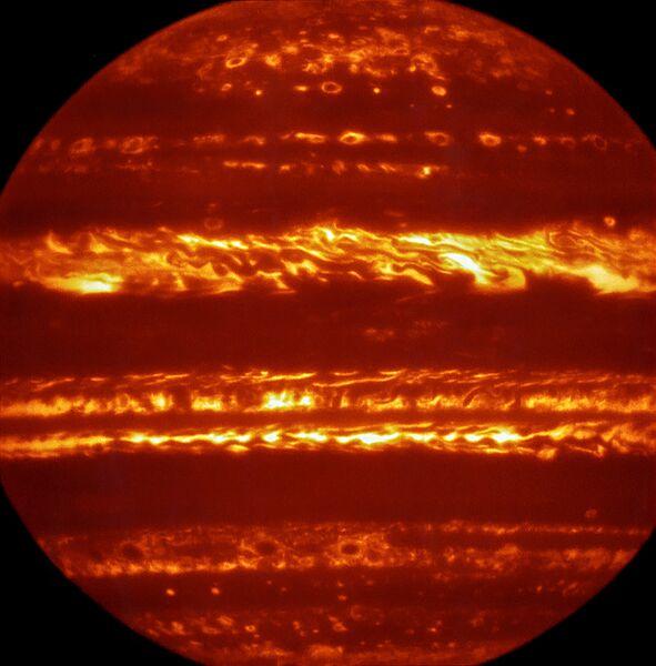 Фотографии Юпитера, полученные телескопом VLT в Чили