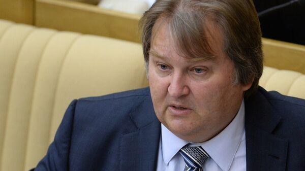 Первый заместитель председателя комитета Государственной Думы РФ по экономической политике, инновационному развитию и предпринимательству Михаил Емельянов