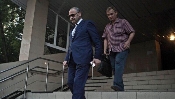 Экс-чиновник правительства Москвы Эраст Матаев, напавший на девушку на ул. Арбат, у здания Пресненского районного суда