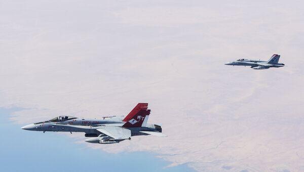 Истребители F/A-18С Хорнет. Архивное фото