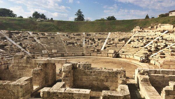 Амфитеатр в Греции, архивное фото