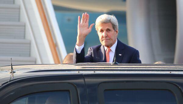 Государственный секретарь США Джон Керри в международном аэропорту Внуково-2 во время визита в Москву