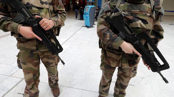 Военные в аэропорту Ниццы. 2015 год