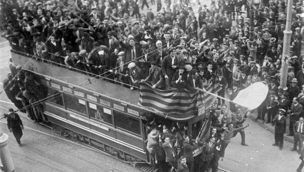 Торжества по случаю Апрельской революции в Барселоне. Апрель 1939