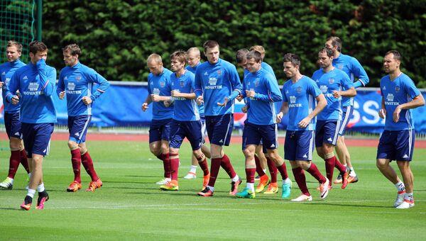 Игроки сборной России во время тренировки. Архивное фото