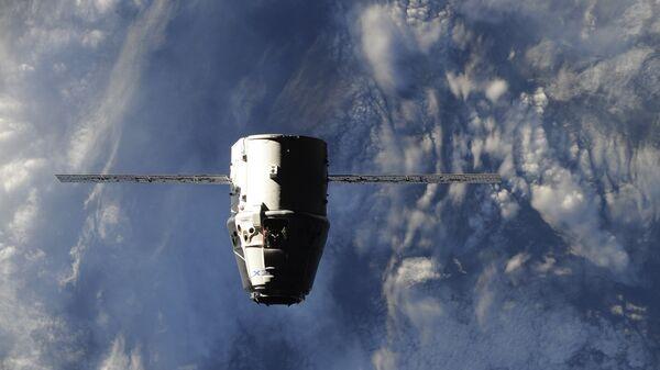 Прибытие космического грузовика Dragon к МКС