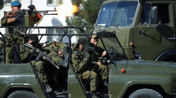 Военнослужащие 201-й российской военной базы, дислоцированной в Таджикистане