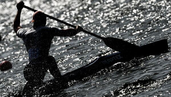 Спортсмен во время заезда на чемпионате России. Архивное фото