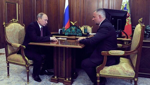 Президент РФ В. Путин встретился с Евгением Зиничевым. 27 июля 2016