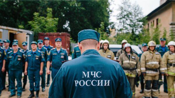 Сотрудники МЧС во время учений. Архивное фото