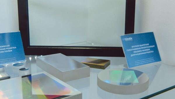 Швабе поставил в Германию 100 голограммных дифракционных решеток