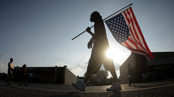 Акция протеста в пригороде Сент-Луиса. 18 августа 2014