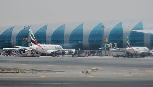 Самолеты авиакомпании Emirates в аэропорту Дубая