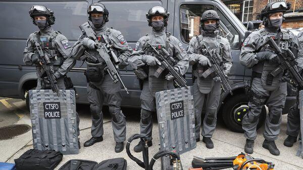 Сотрудники отдела полиции по борьбе с терроризмом в Лондоне