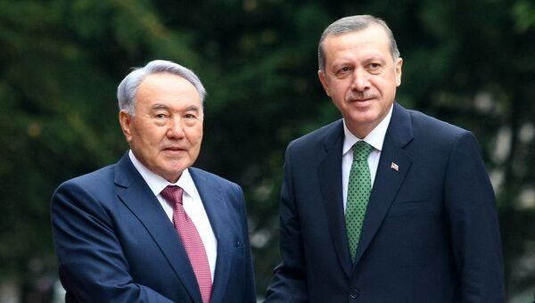 Реджеп Тайип Эрдоган и Нурсултан Назарбаев. Архивное фото