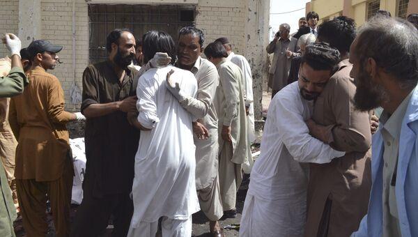 Последствия взрыва в больнице пакистанского города Кветта