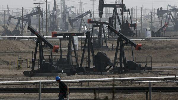 Добыча нефти в Калифорнии, США