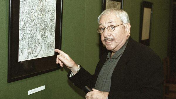 Скульптор и график Эрнст Неизвестный на выставке своих работ. Государственная Третьяковская галерея. Архивное фото