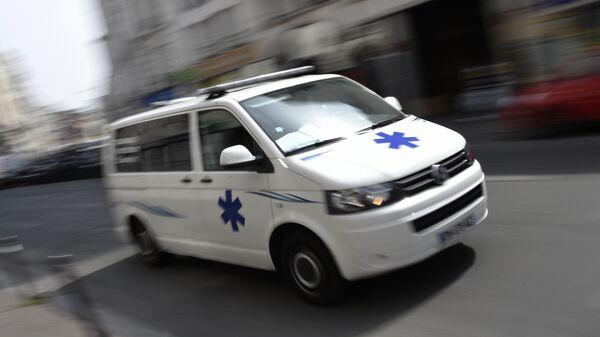 Машина скорой помощи в Париже, Франция
