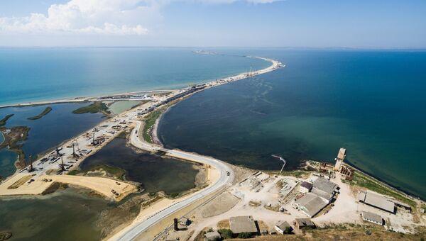 Строящийся участок дороги от трассы М-25 до Керченского пролива и будущей трассы Таврида. Архивное фото