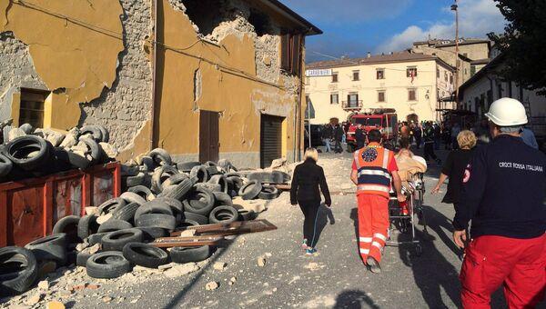 Последствия землетрясения в итальянском городе Аккумоли
