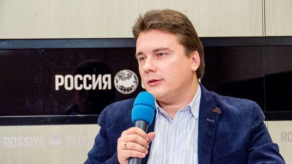 Дмитрий Поликанов, президент фонда помощи слепоглухим Со-единение