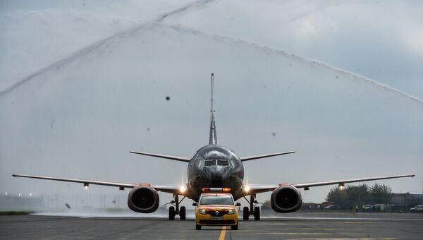 Самолет авиакомпании Белавиа первого рейса, прибывшего в аэропорт Жуковский