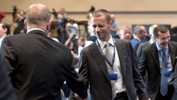 Глава Футбольного союза Словении Александер Чеферин на конгрессе UEFA в Афинах, Греция. 14 сентября 2016