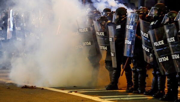 Полицейские во время акции протеста в городе Шарлотт, штат Северная Каролина, США. 21 сентября 2016