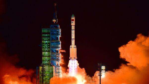 Старт ракеты-носителя Чанчжэн-2F. Архивное фото