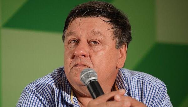 Писатель Петр Алешковский. Архивное фото