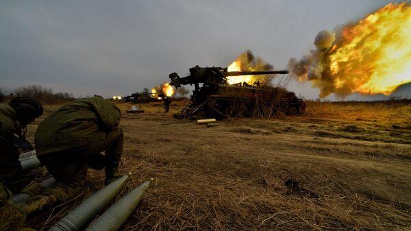 Батарея самоходных артиллерийских установок. Архивное фото