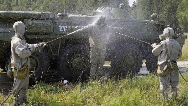 Военнослужащие отряда чрезвычайного реагирования войск радиационной, химической и биологической защиты. Архивное фото
